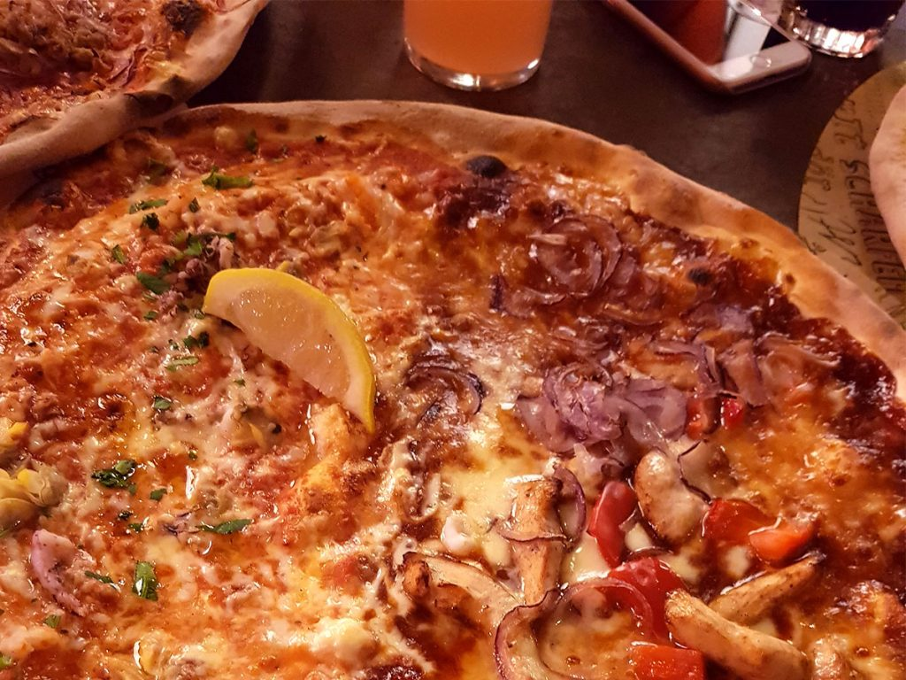 Beste Pizza in München - Pizza von L'Osteria