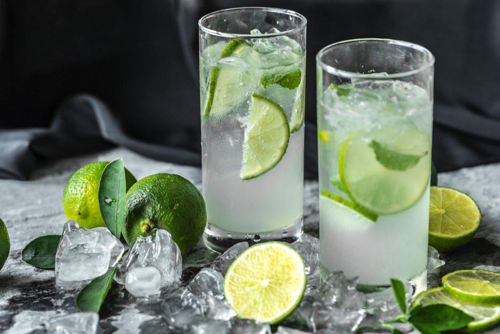 Gin Tonic Cocktails im Cafe Zeitgeist